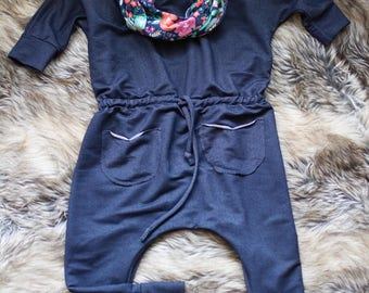 Jumpsuit - scalable romper for baby (without the detachable collar)