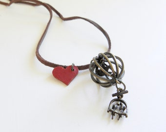 Leather string pendant - Love birds