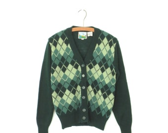 vintage cardigan sweater * argyle sweater * green cardigan * boyfriend cardigan * medium