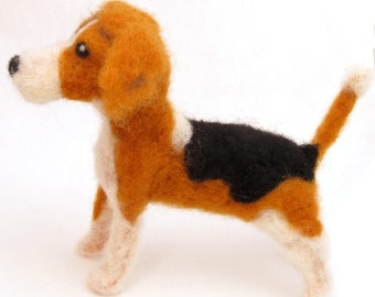Needle felted Beagle dog, Wool felt dog miniature