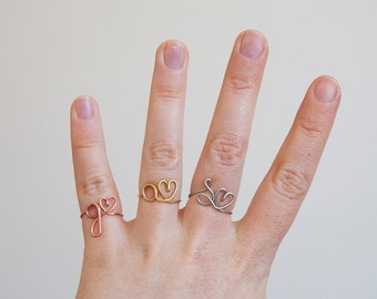 Wire ring with initial letter and a heart, adjustable ring, personalized ring with initials, copper, brass or stainless steel ring