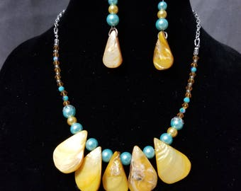 Seashell Serenade Necklace and Earring Set