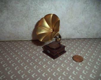 1:12 Dollhouse Miniature Victorian Gramophone