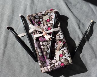 Floral pouch compartment