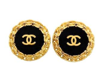 Authentic Vintage Chanel earrings CC logo black round #ea1140