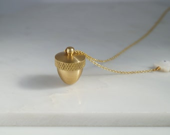 Acorn necklace,canister pendant,acorn and squirrel, acorn locket, acorn that opens,gold canister pendant,woodland,mother of pearl necklace