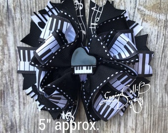 Piano keyboard  Hair bow