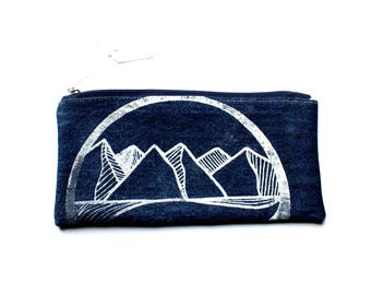 CIRCLE MOUNTAIN Zip Pouch, Knitting Gift. Travel Organizer, Clutch Pencil, Card Holder, Toiletries Travel Upcycled Small Mountains Pnw Denim