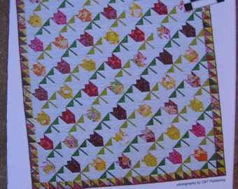 Tulips Quilt Pattern Crib Wallhanging Throw Twin and Queen King Quilts Diana McClun Laura Nownes