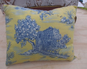 "Vtg Creamy Yellow Blue Toile Designs Small Decirative Throw Pillow,  12.5"" x 10"""