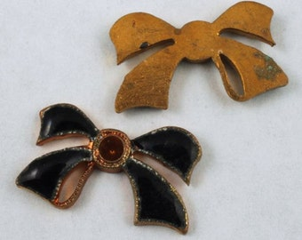 18mm Black Enameled Bow #648
