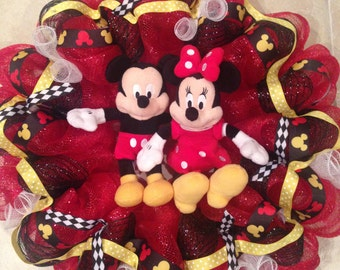 Mickey Mouse Wreath (PERSONALIZE)