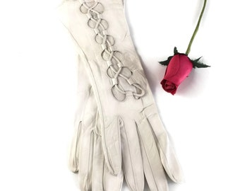 Leather Gloves White Lace Up Size 7, Bridal Gloves, Wedding Gloves, Vintage Gloves for Women by Denise Francelle Made in France Roger Fare
