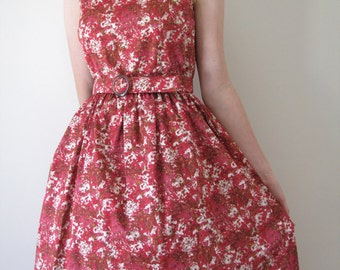 Belted 1950s-style day dress