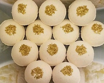 Creamy Vanilla Scent Bath Bombs Lot of 12 (1oz)