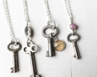 Old Skeleton Key Necklace. Silver Hendersweet