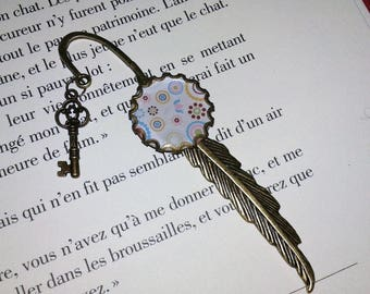 Bookmark feather - bronze - circles and flowers - blue / pink