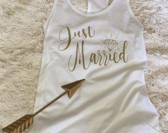 Just Married. Just married women's t-shirt. bride gift. wedding shirt. married shirt. honeymoon shirt. bridal shirt. vacation shirt.