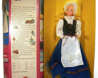 Vintage Barbie / Swedish Barbie / Dolls of the World / Native Costume / 1983 / Original Box
