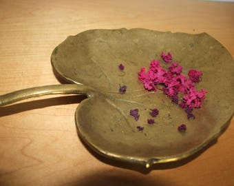 "Vintage Heavy Brass Leaf Bowl - 10 x 6.5 x 1.2"""