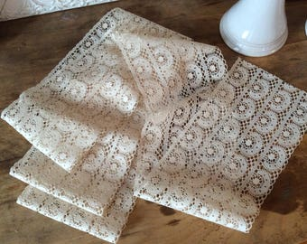 1.5 yard of vintage lace / 5.5 inches wide