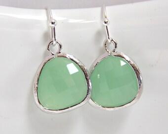 Mint Green Earrings, Glass Earrings, Pistachio, Bridesmaid Jewelry, Silver Earrings, Bridesmaid Earrings, Bridal Jewelry, Bridesmaid Gifts