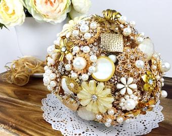 Wedding Brooch Bouquet, Broach Bouquet, Brooch Bouquet, Gold Bouquet, Gold Wedding, Bridal Brooch Bouquet, Button Bouquet, DEPOSIT ONLY