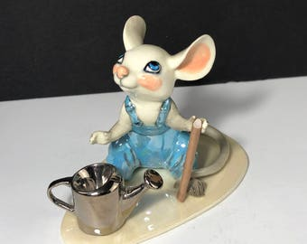 HAGEN RENAKER FIGURINE vintage porcelain miniature statue gloss sculpture california usa Mouse mice farmer watering can suspenders overalls
