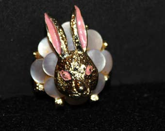 Vintage Easter Bunny Brooch, Rabbit Brooch, Bunny Pin, Vintage Costume Jewelry