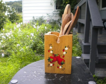 strawberry utility holder, wooden container, wood box, strawberry painting, acrylic painting, storage container, woodworking, kitchen art