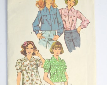 1970s Fashion Uncut Simplicity Pattern 5583 Womens Smock Blouse Size 10