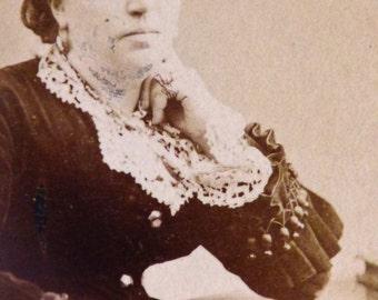 Victorian lady with handkerchief. CDV original 1870.