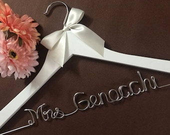 Personalized Wedding Hanger, Wedding Dress Hanger, Custom Wire Name Bridal Hanger, Personalized Bridesmaid Dress Hanger, Wedding Shower Gift