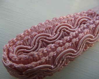Vintage Trim - 50cm -  pink woven edging