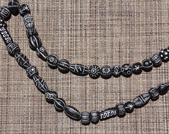 "Black and White Clay Beads from Mali 34"" Strand - CLAY 009"