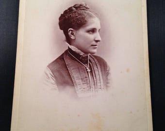 Antique Victorian Era Cabinet Card Photograph
