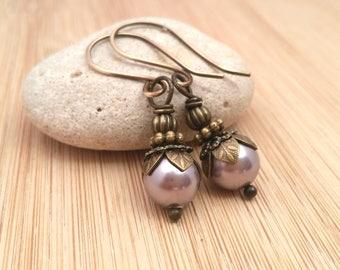Lavender Pearl Earrings. Brass Jewelry. Victorian Style Earrings. Light Purple Swarovski Pearls. Wedding Jewelry. Amethyst Pearl Jewelry.