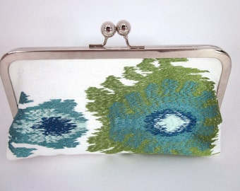 Embroidered Blue & Green Clutch Purse with Kiss-Lock Frame, 8-inch