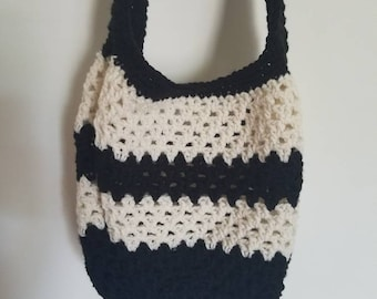 Beach bag / reusable bag / market bag / shopping bag, crochet purse, beach tote, eco friendly / black and white / striped purse /