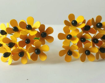 Yellow Paper Flowers / small yellow paper flowers / mini yellow flowers / yellow dollhouse flowers / yellow flowers / miniature flowers