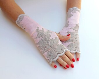 Light pink floral lace fingerless gloves. Short lace gloves. Lace mittens. Formal gloves. Pink bridal gloves. Pink bridesmaids gloves.