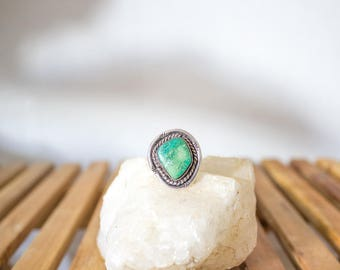 vintage southwestern silver and turquoise ring 8/ 8.5