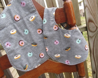 Donut Bib and Burp Cloth Gift Set