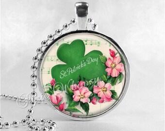 St Patricks Day Necklace, Shamrock Necklace, Glass Photo Art Necklace, Irish Clover, Irish Pride Jewelry, Good Luck, Four Leaf Clover