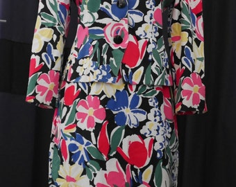 all Guy Laroche T.38 very flowery and colorful skirt and jacket 90s Matisse. We love.