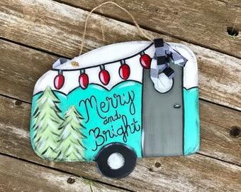 Christmas door hanger - Camper Door Hanger - Wooden door hanger - Camper sign - Christmas camper decor - Christmas decor - Vintage Christmas