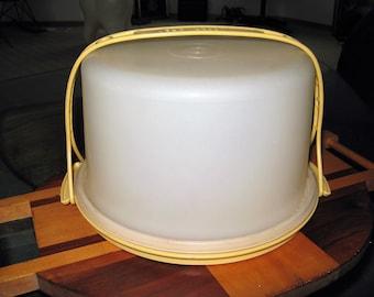 Vintage 1970's Tupperware Harvest Gold Round Cake Taker Carrier