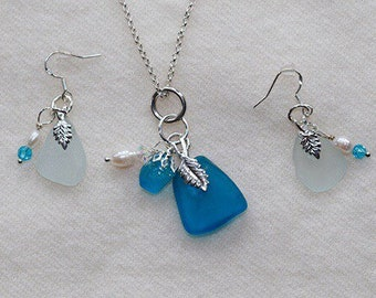 Teal pendant and earrings