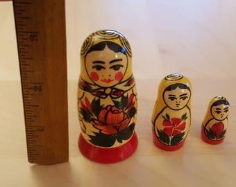 Russian Nesting Dolls- 3 dolls in the set