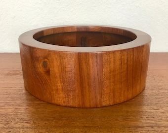 Early Jens Quistgaard   IHQ Dansk International Designs Ltd. Danish Serving Bowl